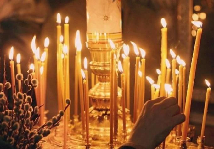 Как в церкви ставить свечку за здравие