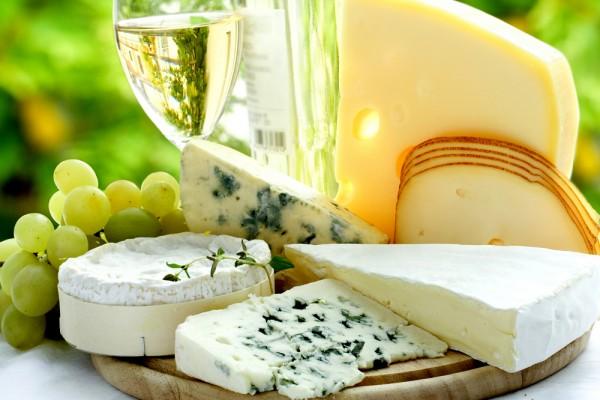 10 самых вкуснейших сыров в мире, которые необходимо испробовать