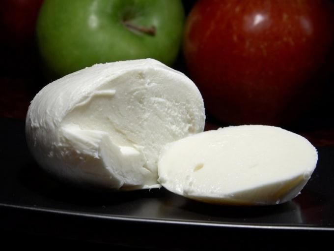 Как приготовить самосильно сыр моцарелла