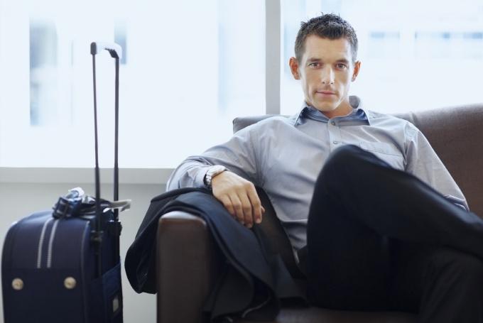 Как узнать об ограничении на выезд за рубеж