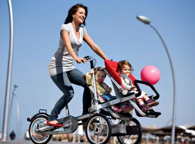 Как отремонтировать детскую коляску