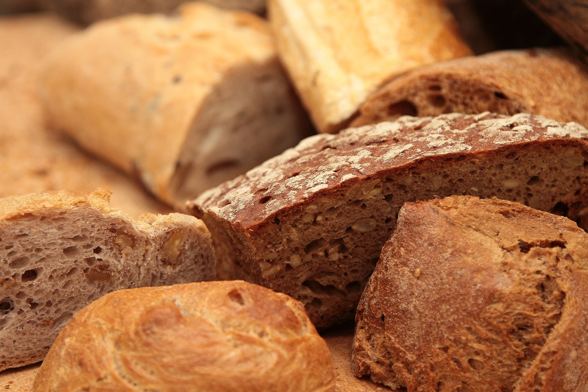 Приготовить хлеб дома